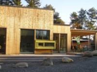 Budova škôlky je z dreva, napokon tak ako väčšina domov v Nórsku